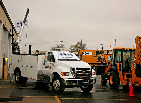 CSTK JCB Kahn Truck Equipment KahnTEC CSTK JCB Open House Grand Opening Kansas City Kansas St. Louis Missouri KS KC STL MO Custom Mechanics Service Trucks